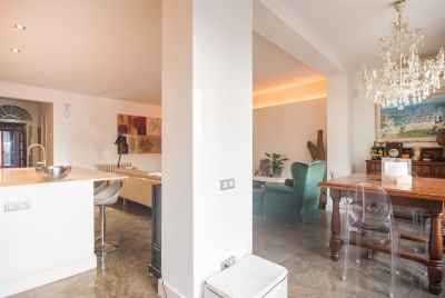 Exclusive apartment with Jacuzzi in the center of Barcelona
